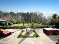 6 bed Detached property in Woodside Hill...