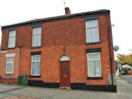 2 bedroom house for sale in Stockport Road, Denton...