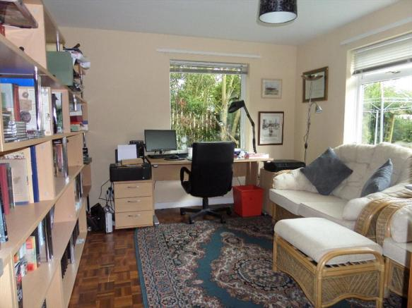 OFFICE /SITTING ROOM