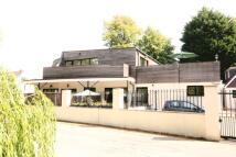 2 bedroom Flat to rent in Mudeford, Mudeford...