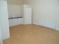 Flat to rent in George Street, Pontypool...