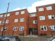 2 bed Flat in Albion Road, Pontypool...
