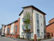 Flat to rent in Holdsworth Drive...