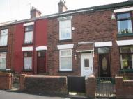 2 bedroom Terraced house to rent in West Street, West Park...