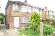 3 bed semi detached house in West Road, Bedfont
