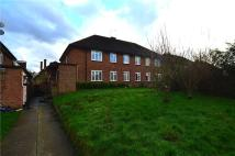 2 bed Maisonette in Hill Lane, Ruislip...