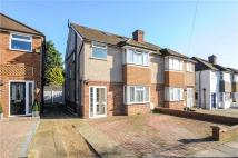4 bed semi detached house in Queens Walk, Ruislip...