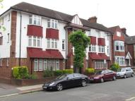 3 bed Flat to rent in Woodstock Road, London...