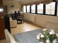 Flat to rent in Chandos Way...
