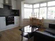 Flat to rent in Hendon Way, London, NW2
