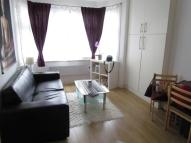 1 bed Flat in Hallswelle Road...