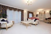 6 bed Link Detached House to rent in Sinclair Grove...