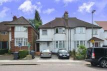 Flat in Ashbourne Avenue, London...