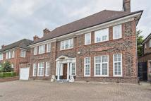 Detached home to rent in Hocroft Road, Hampstead...