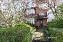 7 bedroom Detached home in Park Way, London, NW11