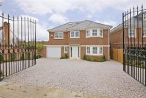 6 bedroom Detached house in The Warren, Radlett