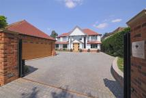 5 bed property for sale in The Avenue, Radlett...