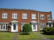 3 bed property in Dunboe Place, Shepperton...