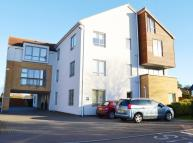 Flat to rent in Apt 6, Oakfield Court...