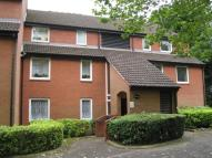 Flat to rent in Westfield Road...