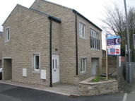 2 bed Flat to rent in 2 Greenfield Court Main...