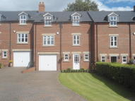 5 bed Terraced property in Thorntree Villas...