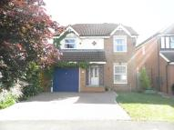 4 bed Detached property in Heathfield Park...