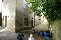 Town House to rent in Thorngate...
