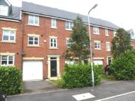 3 bed Terraced property in Frost Close, Desborough
