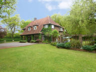 Detached home in Hookwood, Surrey