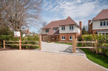 5 bed Detached property for sale in Fetcham, Surrey