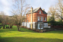 6 bed Detached house for sale in Mid Holmwood, Surrey