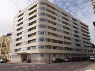 3 bedroom Apartment to rent in Kings Road, BN1