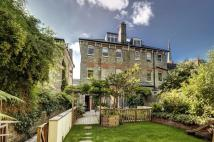 5 bedroom home in Cannon Place, Hampstead...