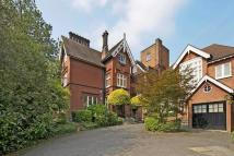1 bedroom Flat to rent in Netherhall Gardens...