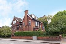 Flat to rent in Netherhall Gardens...