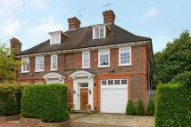 5 bedroom house in Greenaway Gardens...