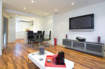 Flat in Heath Street, Hampstead