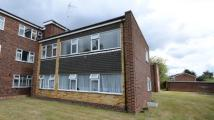 2 bed Flat for sale in Hunters Court, Woodley...