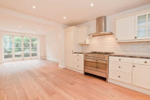 4 bed property in Lanark Road...