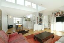 3 bedroom Flat to rent in Ainger Road...