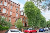 Flat to rent in Compayne Gardens...