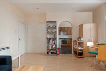 1 bedroom Flat to rent in Goldhurst Terrace...