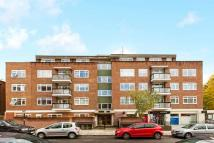 4 bedroom Flat in Belsize Road...