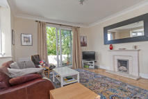 Flat to rent in Fordwych Road