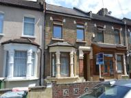 house to rent in Creighton Avenue, London...