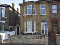 5 bed semi detached property to rent in Cecil Road, London, E13