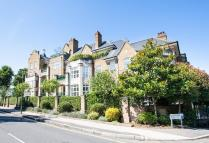 3 bed Flat to rent in Mountview Close...