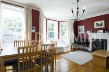 2 bedroom Flat to rent in Hillside Gardens...