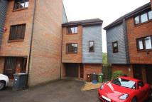 Town House to rent in Romeland, ELSTREE